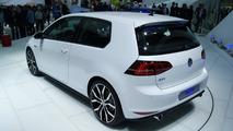Volkswagen Golf VII GTI concept storms Paris Motor Show