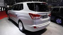 2013 SsangYong Rodius Turismo makes public debut in Geneva
