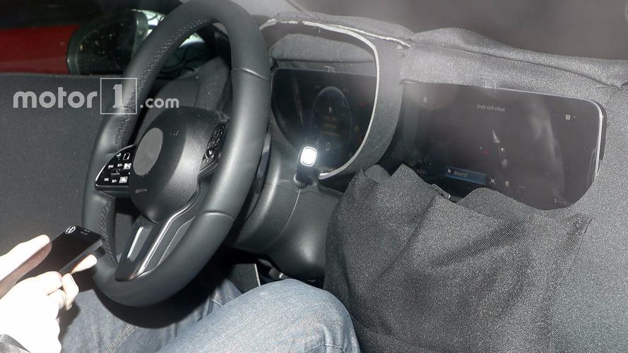 Photos espion - La future Mercedes Classe A aura son