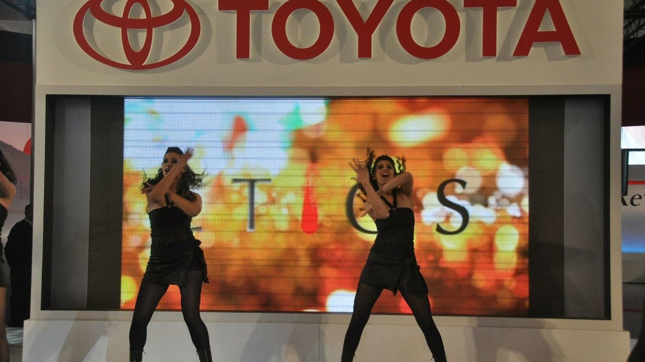Toyota Etios Concept live at New Delhi Auto Expo 2010 - 05.01.2010