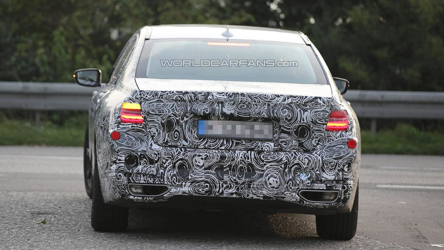Next generation BMW 7-Series caught on camera with production taillights