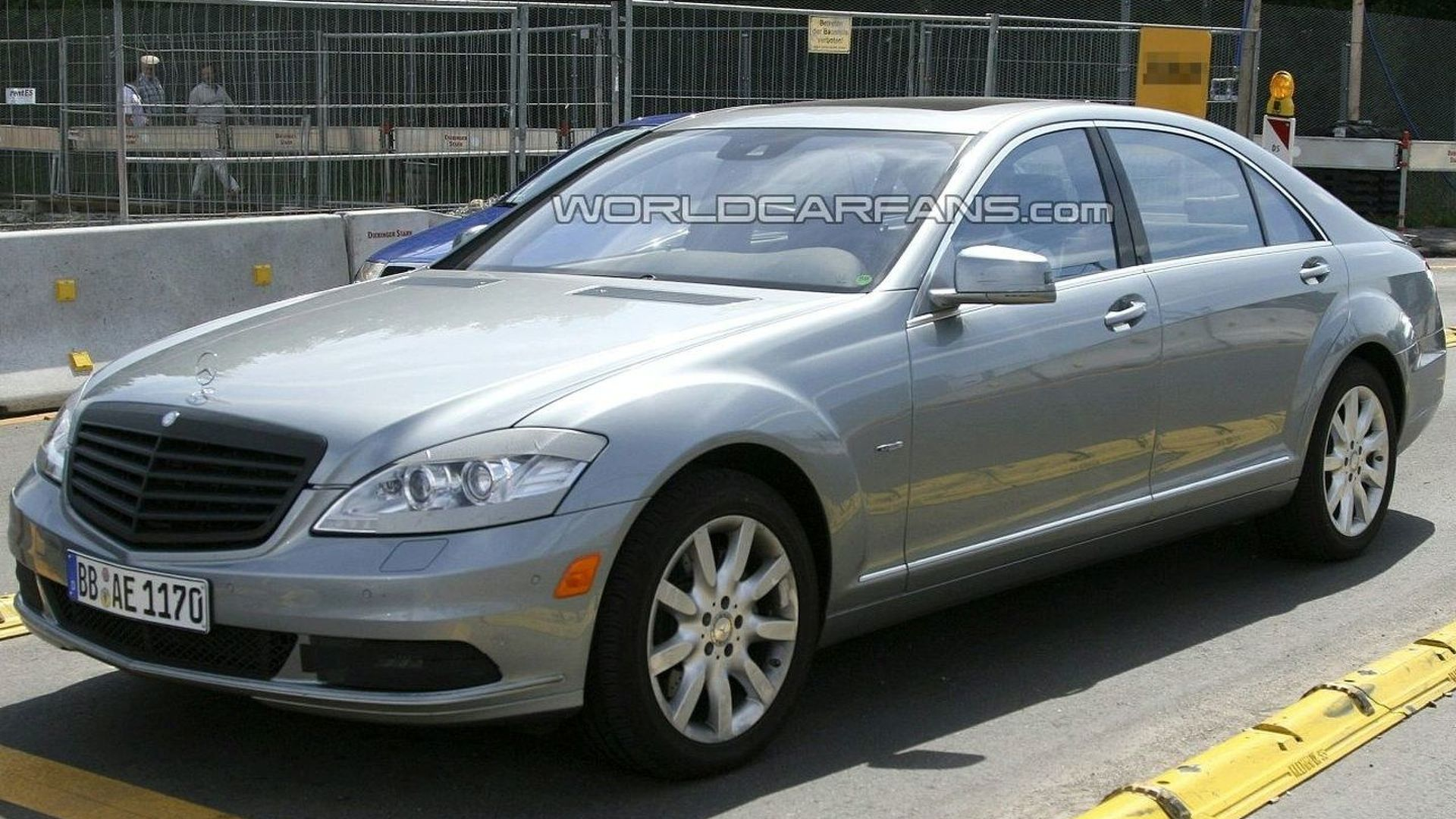 Best Shots Yet of Mercedes S-Class Facelift