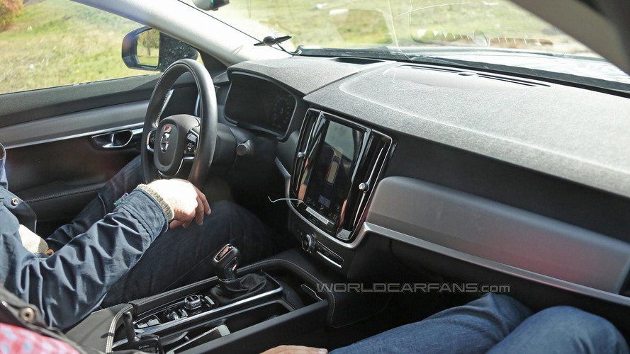 Volvo S90 spied on the inside without any disguise
