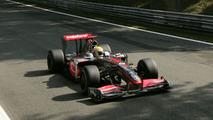 Hamilton not penalised for blocking