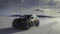 2014 Nissan Qashqai camouflaged prototype (official photo) 31.10.2013