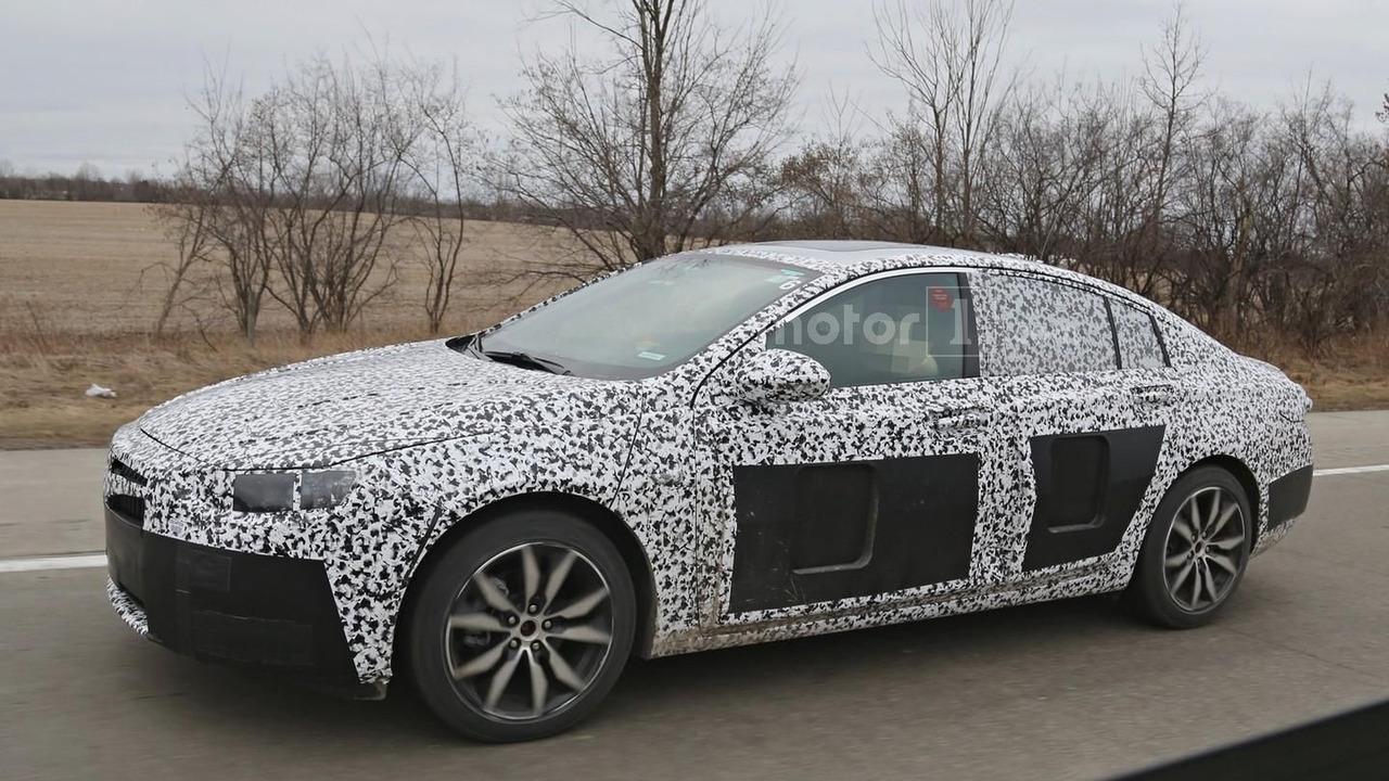 2018 Buick Regal spy photo