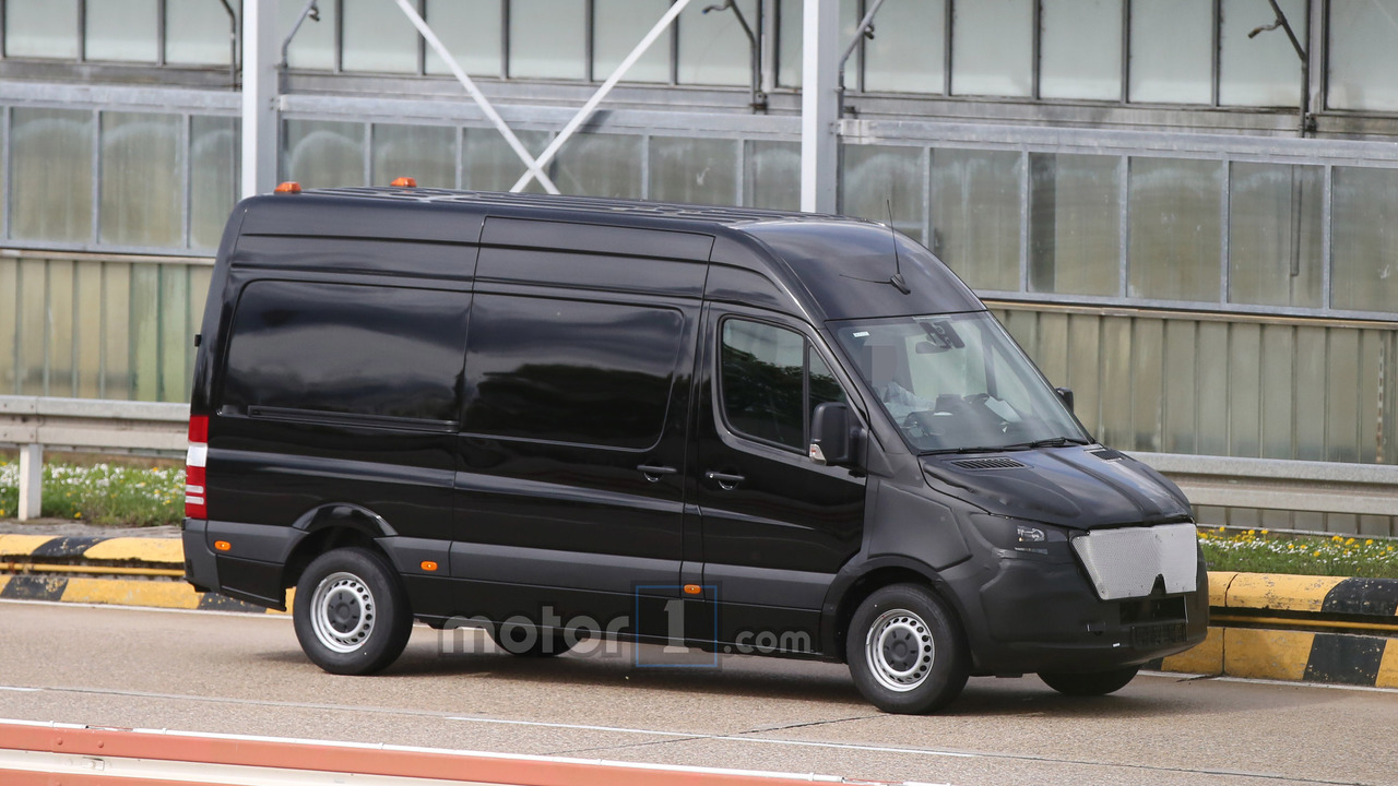 Rv Mercedes >> 2018 Mercedes-Benz Sprinter spied with camouflaged face