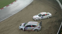 See what the hail caused so many crashes at the Nürburgring 24H