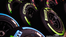 Formula 1 approves Pirelli test plan
