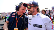 Paul Monaghan, Red Bull Racing Chief Engineer with Fernando Alonso, McLaren on the grid