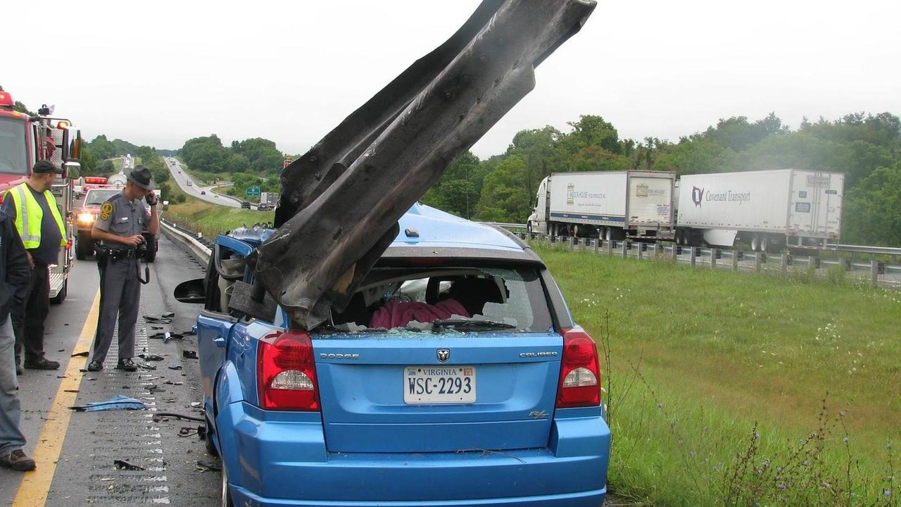 Dodge Caliber accident