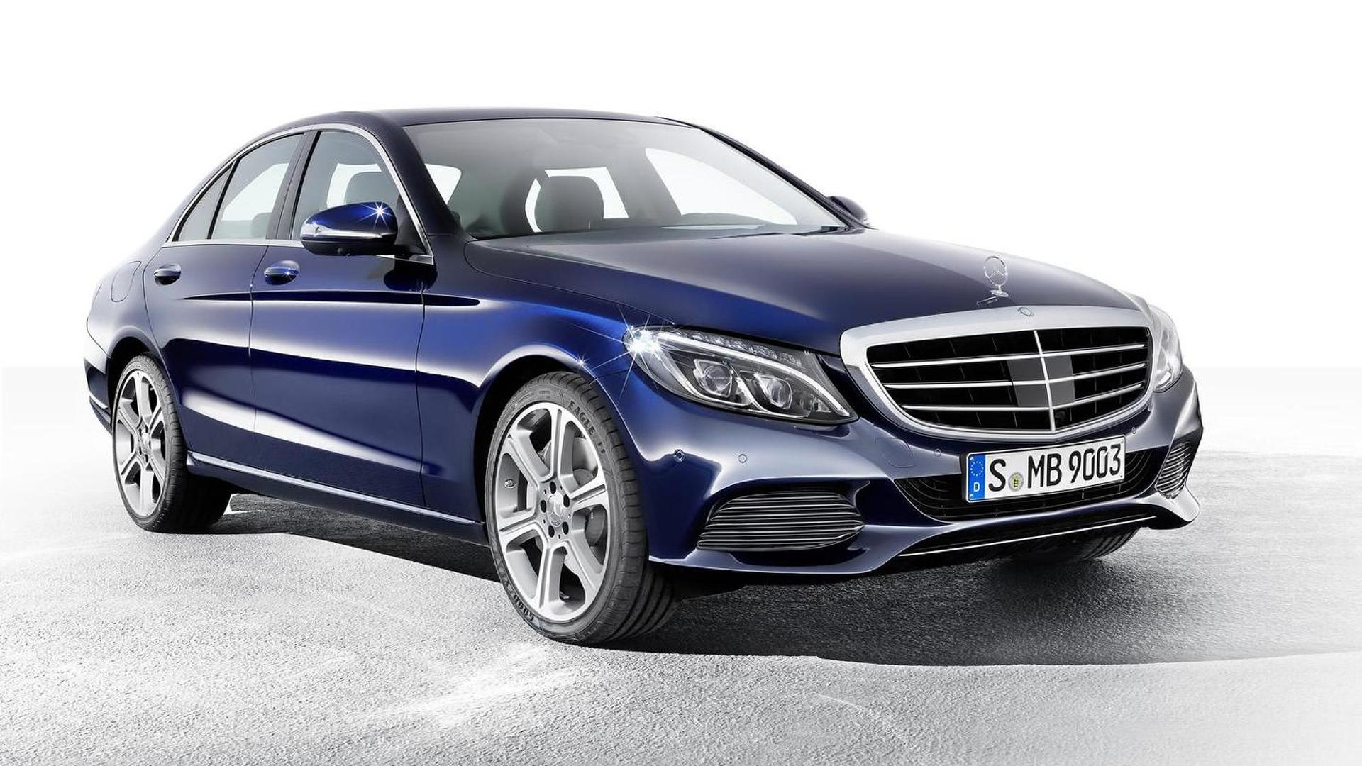 Mercedes-Benz says no to three-cylinder engines for RWD sedans