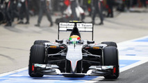 Only one Sauber under minimum F1 weight in Spain - report