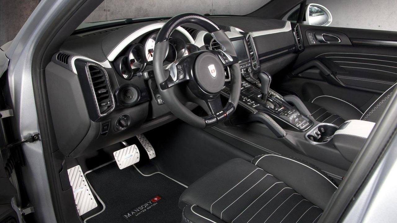 Wide-body Porsche Cayenne by Mansory live in Geneva - 02.03.2011