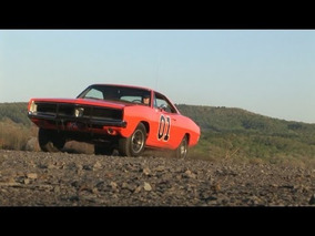 GENERAL LEE DODGE CHARGER WITH FLOWMASTERS AT SEMA 2011