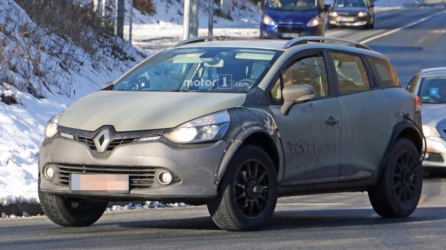 Next-gen Renault Captur test mule spied early in development