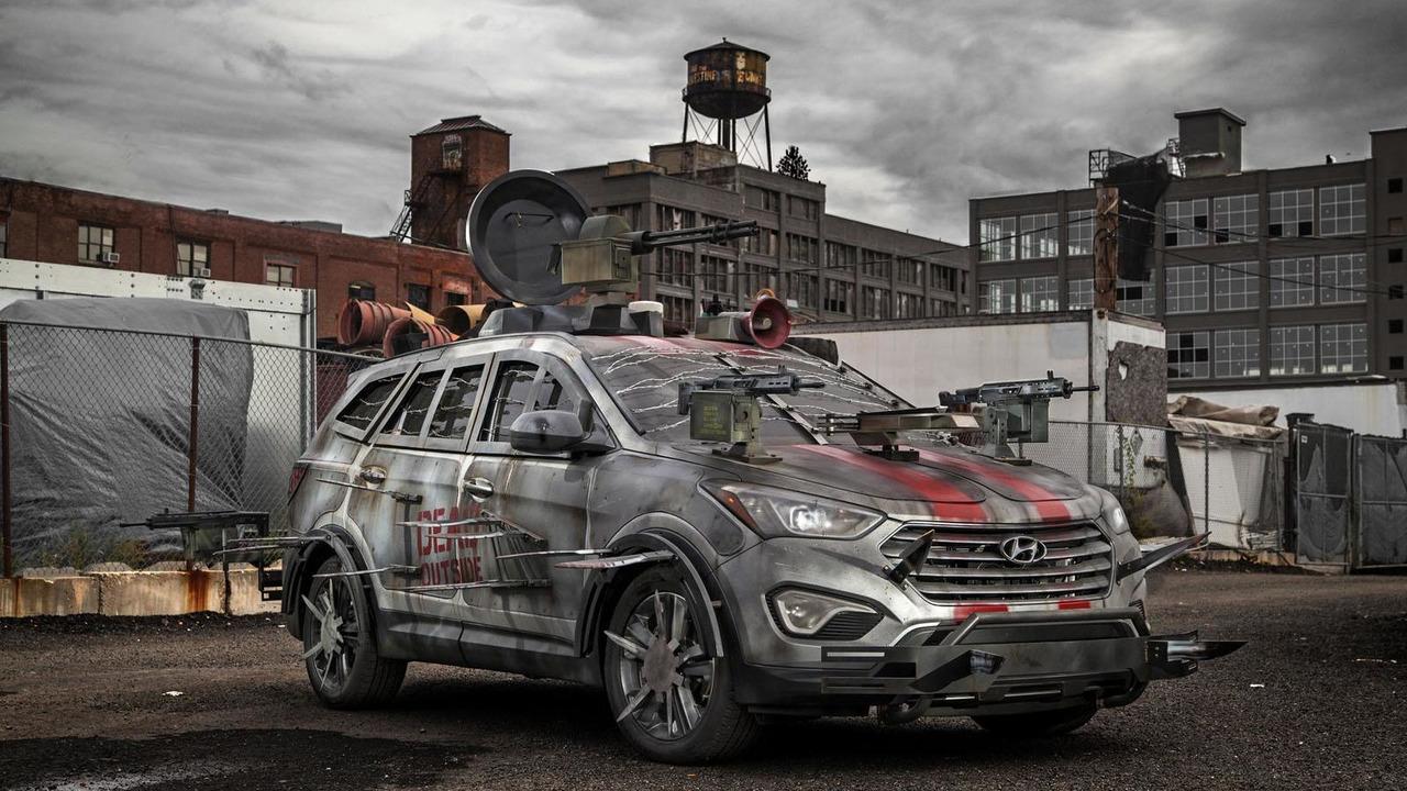 Hyundai Santa Fe Sport Zombie Survival Machine 10.10.2013