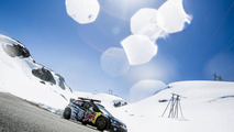 Volkswagen Polo R WRC races a downhill skiing gold medallist [video]