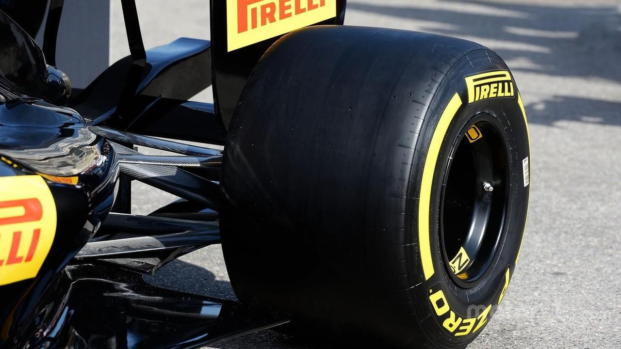 2017 Pirelli tyre detail