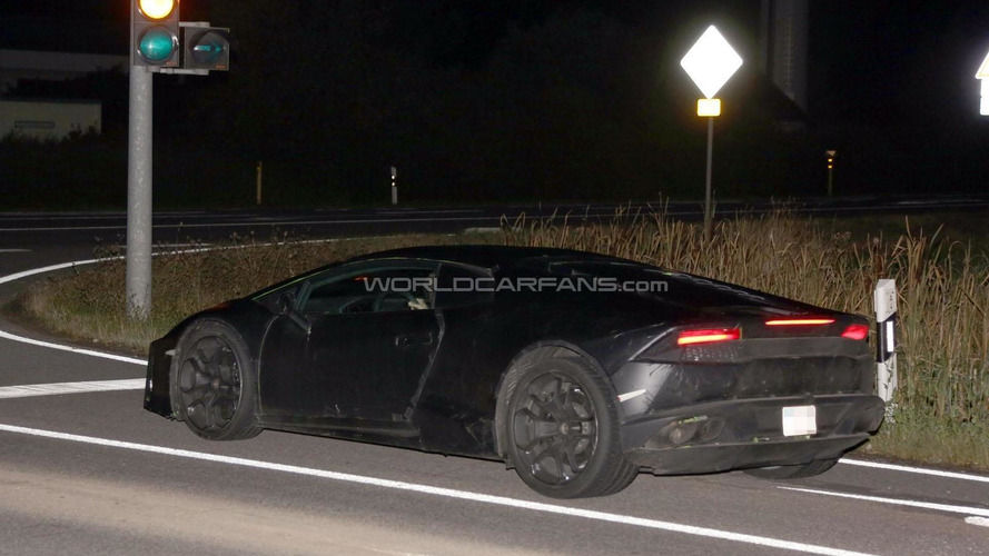 Lamborghini Cabrera spied at night