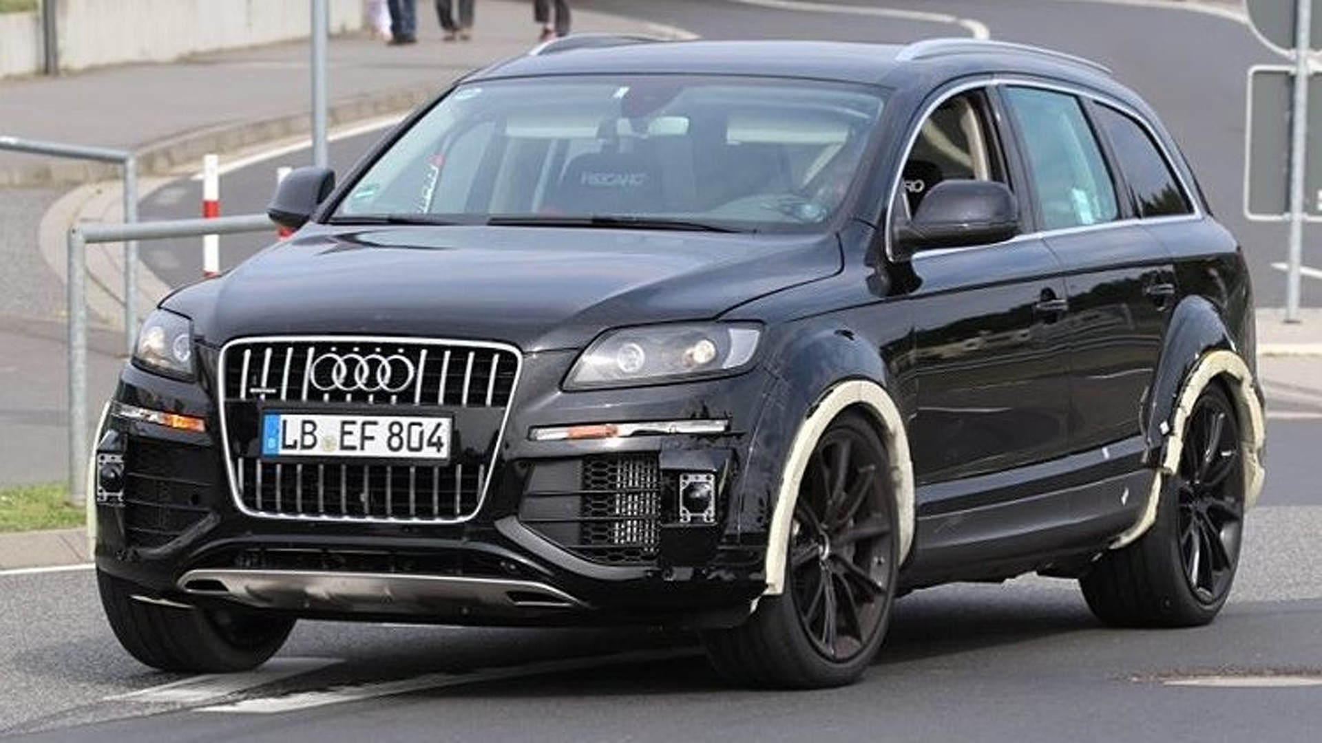 mysterious audi q7 test mule is intriguing. Black Bedroom Furniture Sets. Home Design Ideas