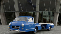 """The replica of """"The Blue Wonder"""" was built on the basis of photographs made of the original vehicle in the 1950s."""