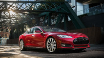Tesla Model S long wheelbase arriving later this year - report