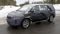 2015 Kia Sedona spied, could be introduced next month