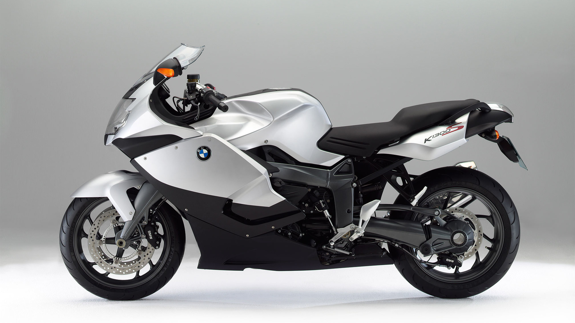 bmw motorrad drops two models from its lineup. Black Bedroom Furniture Sets. Home Design Ideas