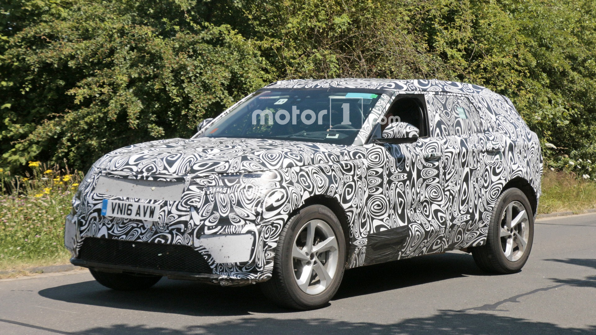 Range Rover Sport Coupe EV possible?