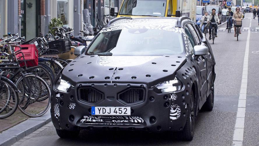 2018 Volvo XC60 spy photos