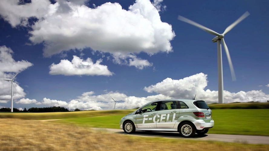 Mercedes hints at C and E-Class fuel-cell vehicles