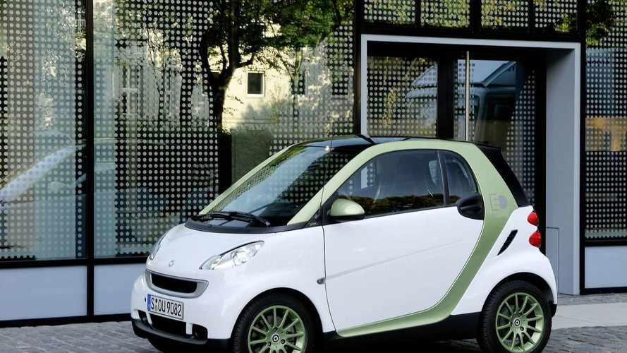 smart fortwo electric drive enters production