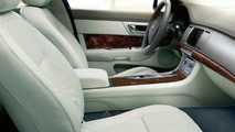 2009 Jaguar XF Officially Revealed