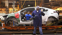 GM to boost Chevy Volt production for 2012