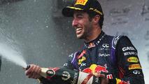 Alonso, Hamilton say Ricciardo among F1's best