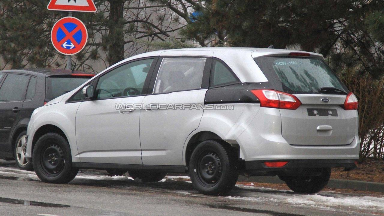 2013 Ford Galaxy mule spied 10.01.2011