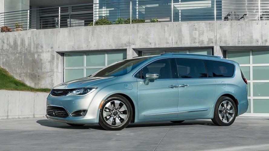 FCA, Google to use Chrysler Pacificas as autonomous prototypes