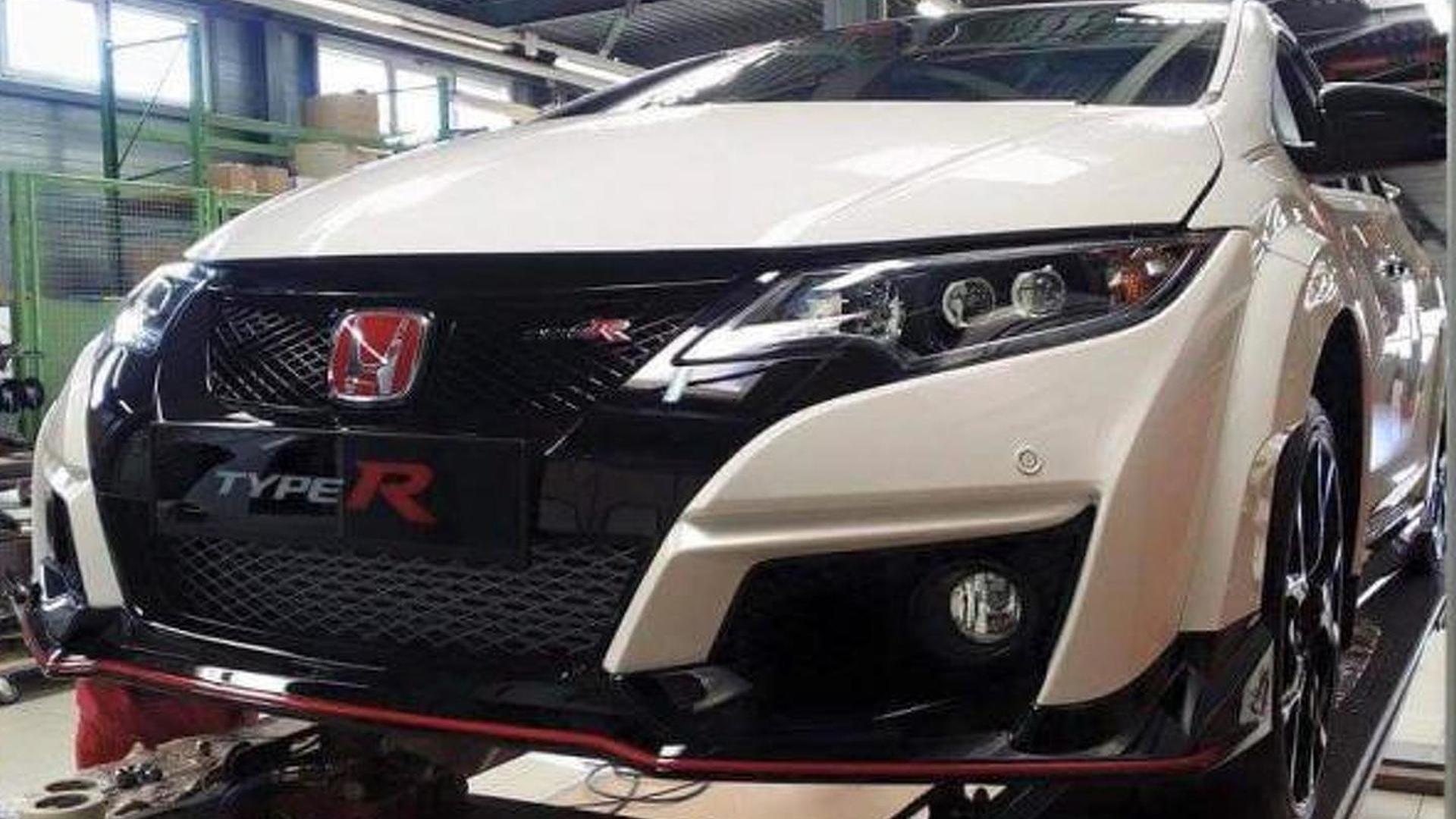 Honda Civic Type R spied up close undisguised