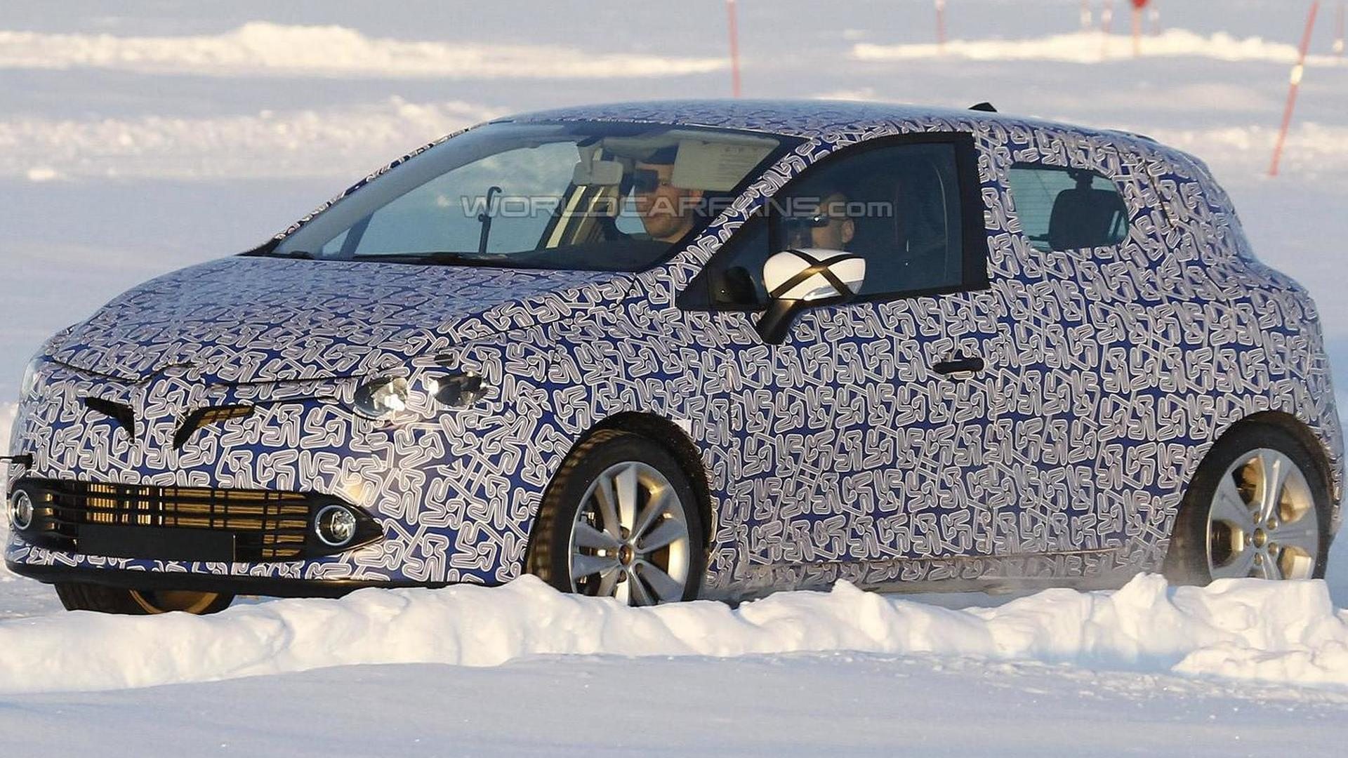 Next-gen 2014 Renault Clio spied for first time
