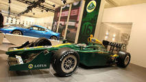 Lotus name dispute escalates with Indycar deal