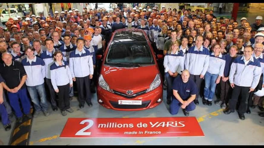 Toyota celebra produção de 2 milhões de unidades do hatch Yaris
