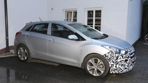 Facelifted Hyundai i30 spied up close