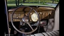 Plymouth Deluxe Touring Sedan