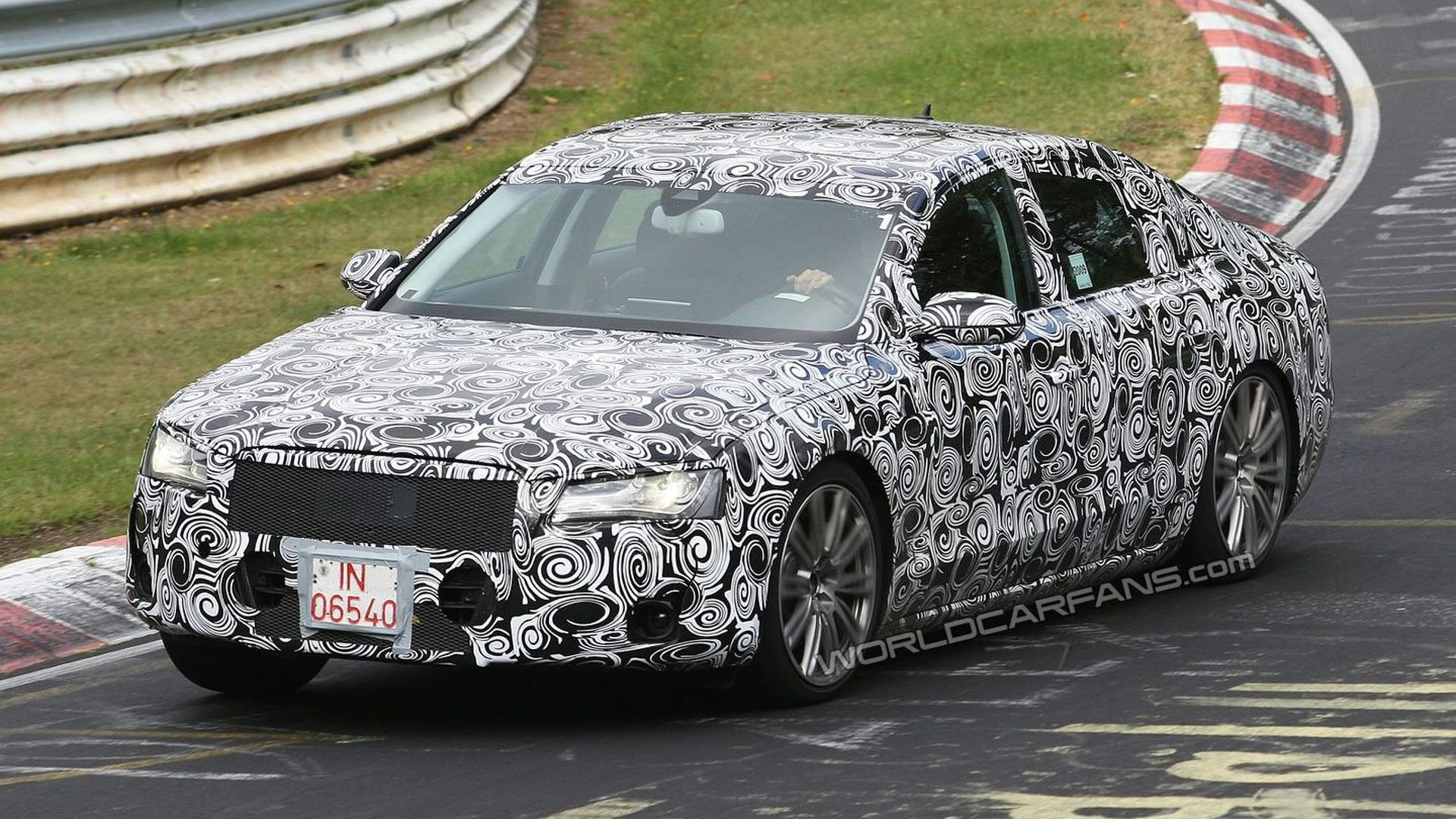 2011 Audi A8 Spied: New details Surface