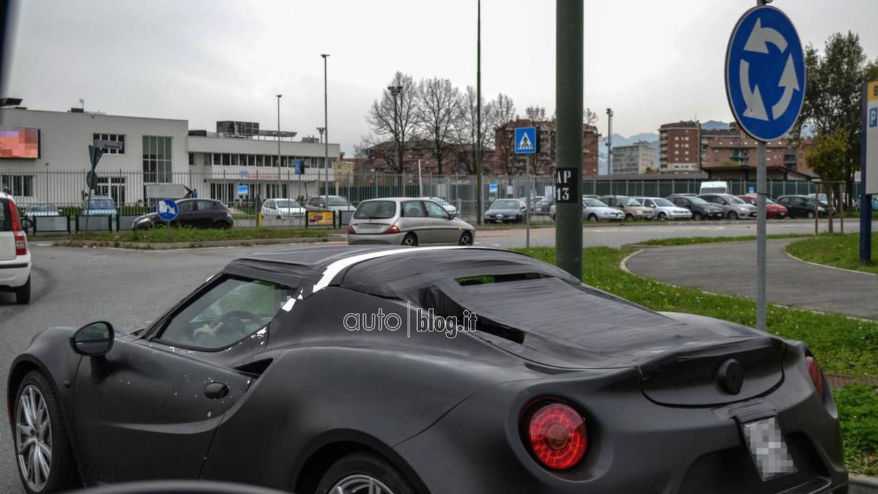Alfa Romeo 4C Spider spy photo 13.11.2013