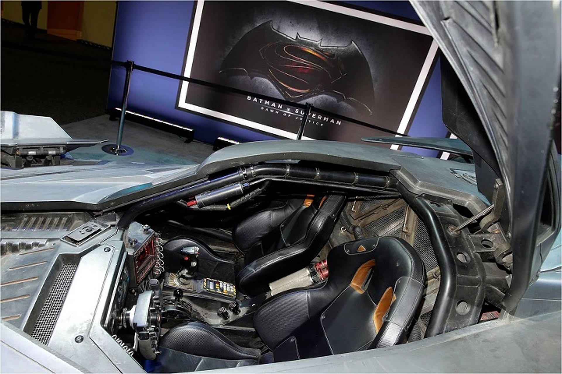 Get All The Details on The 'Batman v Superman' Batmobile