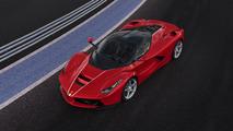 La toute dernière Ferrari LaFerrari sera vendue aux enchères