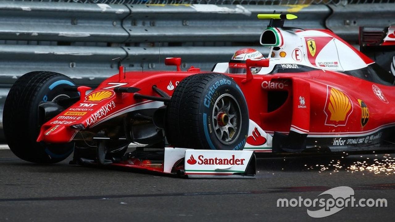 Kimi Raikkonen, Scuderia Ferrari SF16-H loses his front wing