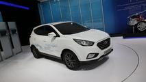 Hyundai ix35 Fuel Cell live in Paris 27.09.2012